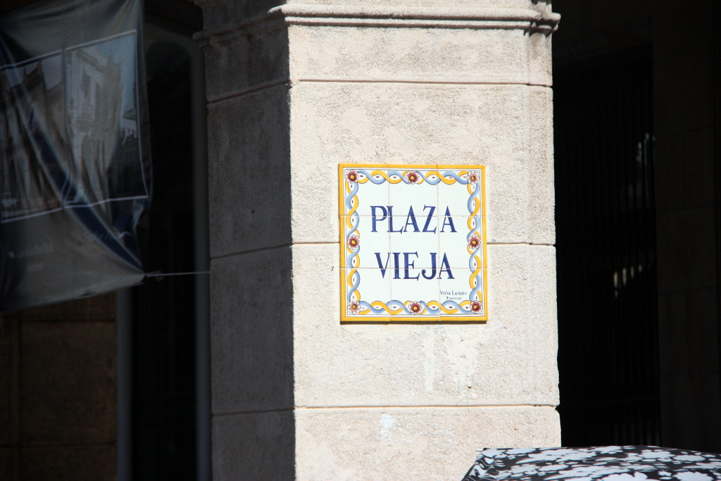 The main tourist areas had signs like this for the roads and plazas