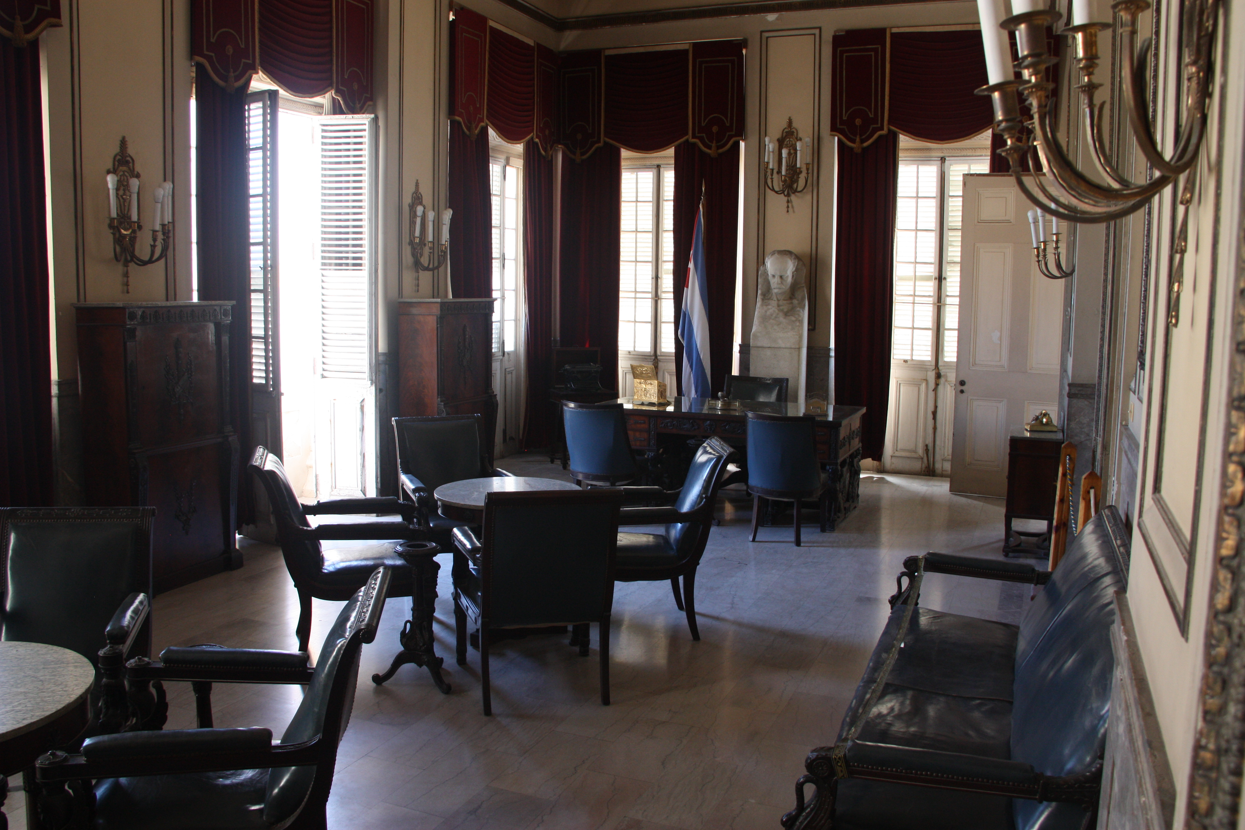 Batista's office in the Presidential Palace.