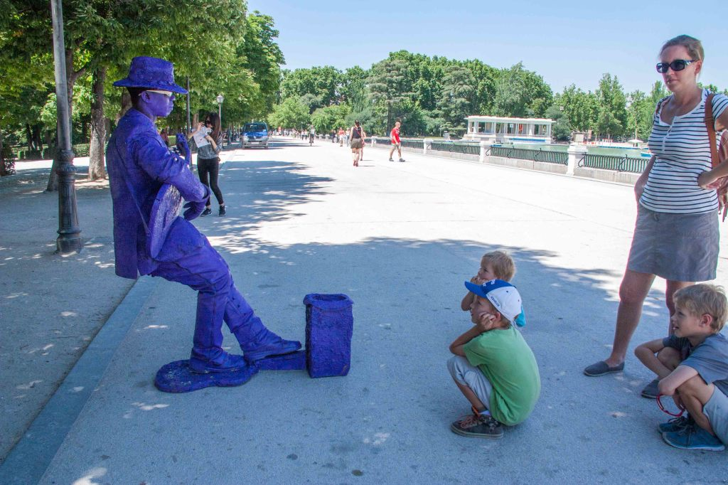 The boys are just fascinated by these human statues.  We saw some good ones in Cuba last year, too.