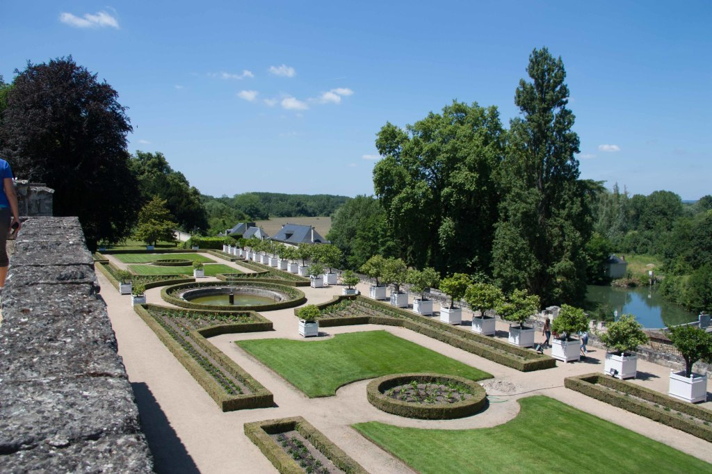 The grounds at the Chateau Usse; just beautiful!